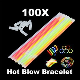 $enCountryForm.capitalKeyWord UK - toys with light 100pcs Multi Color Glow Stick Glow in the Dark Bracelet Party Halloween Fluorescent Light-up Toys with Straight Connectors