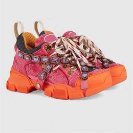 Os mais recentes FlashTrek Designer Sneaker com cristais removíveis Mens Designer de Luxo Casual Designer de moda de luxo das mulheres calça as sapatilhas 01 venda por atacado