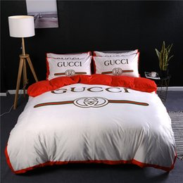 $enCountryForm.capitalKeyWord Australia - White Stripe Bed Cover Simple Letter Print Thicken Soft Bedding Sets Autumn And Winter Bed Clothes Queen King Size