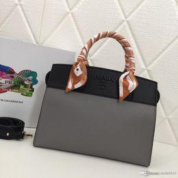 $enCountryForm.capitalKeyWord NZ - New Fashion High-end Luxury Color Matching   Solid Color Handbag With Silk Scarf Lychee Designer Bag Color Optional Number: 2027.