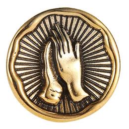 $enCountryForm.capitalKeyWord NZ - Retro Prayer Hand Brooch Pin Collar Badge Antique Gold Silver Metal Broches Lapel Pin For Women Girls Clothes Accessories