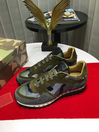 Venta al por mayor italiano lux nuevo diseñador de los hombres zapatos de cuero entrenadores zapatillas de deporte de cuero Splice moda casual hy18052207 en venta