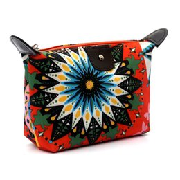 Green Cosmetic Bag Wholesale Australia - 2017 New Designed Fashion Women Travel Make Up Cosmetic Pouch Bag Clutch Handbag Casual Purse Very popular Cosmetic Bag