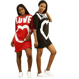 Venta al por mayor de Vestidos de verano ocasionales de las mujeres recién llegado del corazón imprime medio Mouw Mini vestido corto O cuello moda para mujer camiseta suelta
