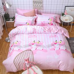 7288eb3d3d Doce pantera cor de rosa animal branco StripeBed folha de cama conjunto de  crianças quarto twin completo Queen size capa de edredão TJ-56