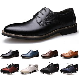 sneakers business casual 2020 - 2020 Arrival Designer men leather casual shoes black navy blue brown Business fashion platform flat party mens trainers