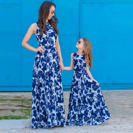 Discount mother baby daughter clothes - Mother Daughter dresses Clothes Matching Outfits Family Look baby dress mommy and me Maxi Vestidos Mom Girls Dresses Lon