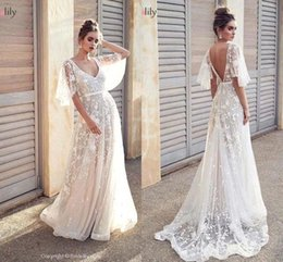 $enCountryForm.capitalKeyWord Australia - Sexy Open Back A-line Bohemian Wedding Dresses Vintage V Neck Poet Short Sleeves Beach Boho PLus Size Bridal Gown BM1607