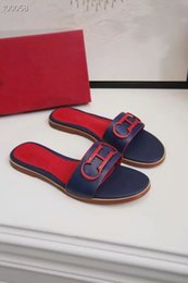 Ingrosso Sandali di marca di appartamenti a Parigi con sacchetto di polvere di scatola lettera di alta qualità pantofole designer scarpe mocassini moda infradito stivali sneakers