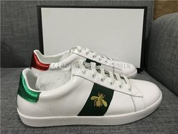 $enCountryForm.capitalKeyWord Australia - Discount Lady Fashion Men Women Casual Shoes Italy Designer Sneakers Shoes Leather Top Quality Green Red Bee Embroidered Black Tiger 35-46