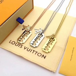 $enCountryForm.capitalKeyWord Australia - designer Stainless Steel Razor Blades Pendant l v Necklace Men Luxury Jewelry Cool Steel Women Shaver Shape Necklaces Loui vuitto