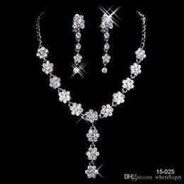 Pas cher Bijoux De Mariage De Charme Alliage Plaqué Strass Perles Cristal Ensemble De Bijoux pour Mariage Mariée Demoiselle D'honneur Livraison Gratuite En 15025 en Solde