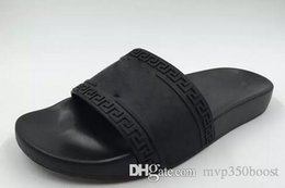 Mens boxing online shopping - with box hot brand Men Beach Slide Sandals Medusa Scuffs Slippers Mens white Beach Fashion slip on designer sandals US
