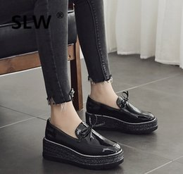 Discount nursing straps - Nurse Shoes Patent Leather Ballet Flats Round Toe British Style Ladies' Footwear Suede Loafers Women Bow-Knot Clogs