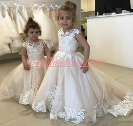 beautiful girls wearing cap UK - Beautiful 2019 White Lace Girls Pageant Dress Cheap Girl Birthday Gowns Kids Formal Party Wear Flower Girls Dresses First Communion Dress