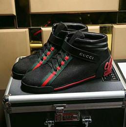Zapatos de hombre de alta calidad moda zapatos casuales diseñador estilo clásico zapatos planos de gama alta personalizados (con caja) en venta