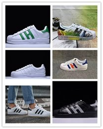 hologram shoes NZ - 2019 Super Star White Hologram Iridescent Junior Superstars 80s Pride Womens Mens Trainers Superstar Casual Shoes Size 36-45 WA03