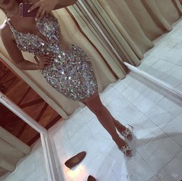 $enCountryForm.capitalKeyWord Australia - 2019 New Design Glitz Bling Sequins Crystals Mini Short Cocktail Party Dresses Sexy Plunging Halter Neckline Homecoming Prom Party Dresses