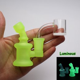 14mm Mini Recycler Australia - Luminous mini glass water bong 8cm height 14mm Female joint with quartz banger for portable Bongs Recycler Pyrex