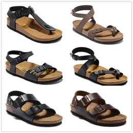 Wholesale Yara Two strap Men Women flats sandals Cork slippers unisex casual shoes print mixed colors flip flop Open toed sandals Cork slippers