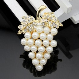 crystal grape wholesale NZ - Flyunhan Grape crystal brooch pearl alloy brooch collar pin jewelry holding flower jewelry