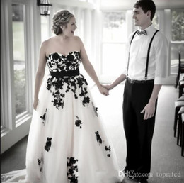 $enCountryForm.capitalKeyWord Australia - 2019 Vintage Gothic Black and White Wedding Dress Sweetheart Open Back Lace-up Lace Appliqued Tulle Bridal Gowns Custom Colors