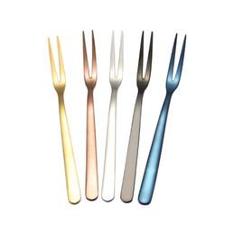 5 Cores Bolo Garfo Garfos De Ouro Em Aço Inoxidável Para Salada De Frutas Pequeno Arco-íris Garfo Garfo Sobremesa Útil para Lanche Louça Cozinha bar ferramentas em Promoção