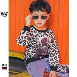 Das neue Blockbuster-Kinder-T-Shirt mit Leopardenmuster und Langarm-T-Shirt im Jahr 2019 im Angebot