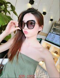Sun Design Shade Glasses Australia - 2018 Fashion Oversized Shades Sunglasses Vintage Large Frame Plank Lightweight Sunglass Men Women Retro Luxury Design Adumbral Sun Glass