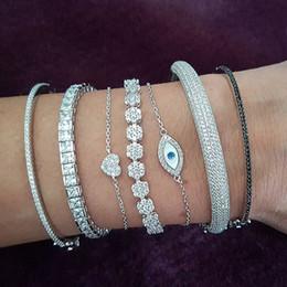Nova chegada venda quente jóias de luxo 925 esterlina prata pavimentar branco safira cz diamond gemstones mulheres encantar casamento bridal pulseira pulseira em Promoção
