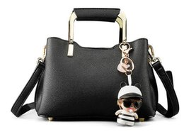 $enCountryForm.capitalKeyWord NZ - Designer-2019 Ruil Women Color splicing Little bee Bags Fashion Zipper Handbag Casual Shoulder Messenger Bag New Sac Femme handbags bags B08