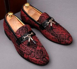 British Hair Styles Australia - Top Quality Men British style Snake pattern Doug shoes Tassels Pointed Toes casual leather shoes Flat heel Fashion Forward Hair Stylist shoe