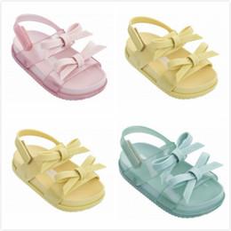 0b0ee99ce74b2 Sandales pour Fille Bébé Enfants Creuser En Bas Âge Sandales Pantoufles  Enfant Semelle Souple Jelly Chaussures Nouveau Mode Infant Toddler  Chaussures K754