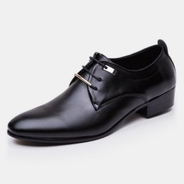 $enCountryForm.capitalKeyWord Australia - Luxury men's leather shoes British retro pointed men's trend dress business shoes fashion banquet wedding men's real shoes
