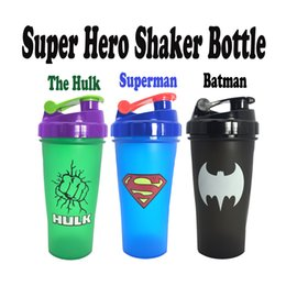 Wholesale Hulk Sports Shaker Bottle Mixing Whey Protein Powder With Stirring Ball Gym Fitness Sport Protein Water Bottle BPA Free Super Hero