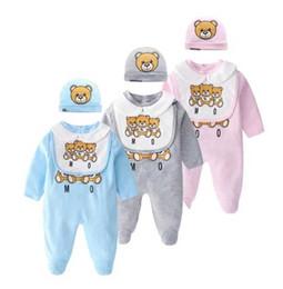 Baby Bear Tute + Cappello + Bavaglino 3 Set PC Autunno 2019 Bambini Boutique Abbigliamento Bambino neonato Ragazzi Ragazze maniche lunghe Tute con calzini in Offerta
