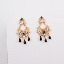 $enCountryForm.capitalKeyWord Australia - New Baroque Style Rhinestone Flower Water Drop Tassel Earrings For Women Statement Vintage Simulated Pearl Oorbellen