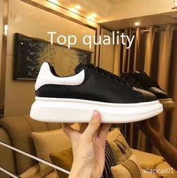 $enCountryForm.capitalKeyWord UK - 2019 Men's luxury designer training shoes casual shoes brand 3M reflective leather men's wear women's clothing pink white black comfortable