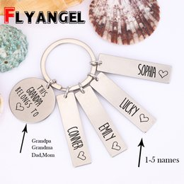 $enCountryForm.capitalKeyWord Australia - Personalized Custom Name Key Chain This Grandpa Grandma Belongs to Letter Charm Keyring for Family Grandparents Keychain Gift