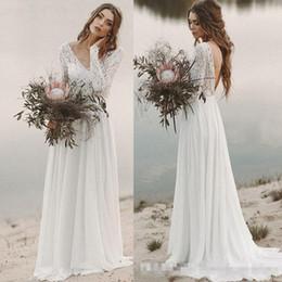 2b530ca39 Beach Country Vestidos de novia 2019 una línea de encaje de gasa con cuello  en v con mangas largas sin respaldo drapeado vestido de novia ilusión blusa