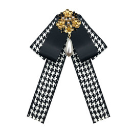 Wholesale Hot sale Bow Tie Vintage Cameo Lady Head Diamod Ribbon Tassel Brooch Chic Girls Elegant Costume Jewelry Collar Pin Girl Cravat on Sale