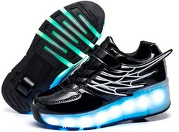 Wholesale LED USB Charging Roller Skate Shoes with Wheel Light up Roller pop up and hide roller by a button at heel