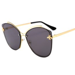 Ocean Frames Australia - Little bee series new sunglasses European and American fashion sunglasses wing type metal frame ocean piece
