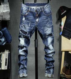 Pantaloni di marca di lusso europeo americano marea jeans di marca mens piedi di auto-coltivazione pantaloni buco alto-elastico patch per distruggere i pantaloni in denim in Offerta
