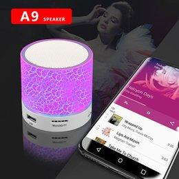 LED portátil mini alto-falante bluetooth alto-falante baixo sem fio w / tf fm rádio fm fm em Promoção