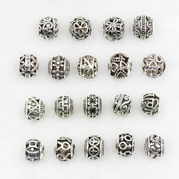 Bracelets Beads carved online shopping - Vintage Loose Beads Fit Pandorx Bracelets Bangles Alloy Carved Hollow Heart Flower Beads for DIY Making Jewelry Accessories Christmas Gift