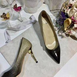 Venta al por mayor de Zapatos de vestir de negocios de la marca de moda, zapatos puntiagudos, tacones de cuero italianos, banquete de bodas, tamaño 35-40