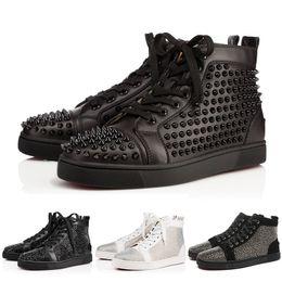 Red Bottoms Shoes Дизайнерская марка Шипованные шипы Обувь для мужчин и женщин Женские туфли для вечеринок Подлинная кожаные кроссовки 35-46