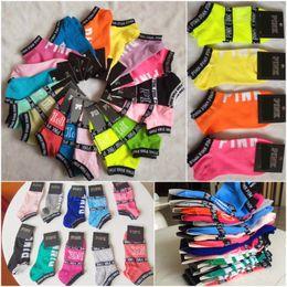 Розовые носки до щиколотки Черные синие спортивные чирлидеры Короткие носки для девочек Женские хлопчатобумажные спортивные носки Розовые чулки для скейтборда с тапками