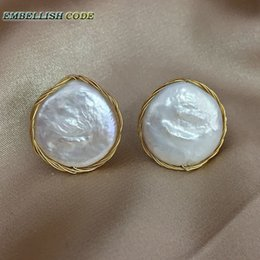 $enCountryForm.capitalKeyWord NZ - 2018 New Design Hand Make Winding Fine Jewelry White Baroque Pearl Flat Round Coin Gold Real Pearls Hot Style Stud Earrings Y19052301
